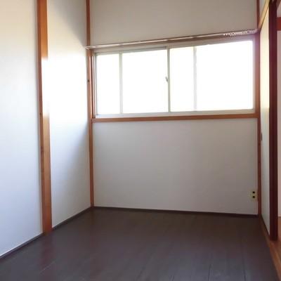 和テイストの納戸です