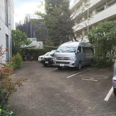 駐車場、駐輪場ありです。