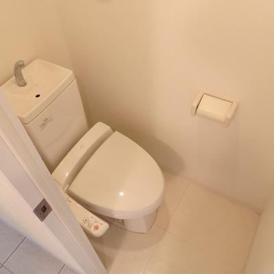 トイレにウォシュレットあり!