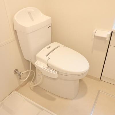 手洗い場も付いたトイレ!