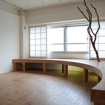 木の生える家