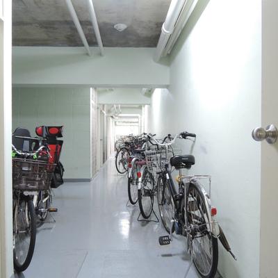 室内駐輪場が嬉しい !