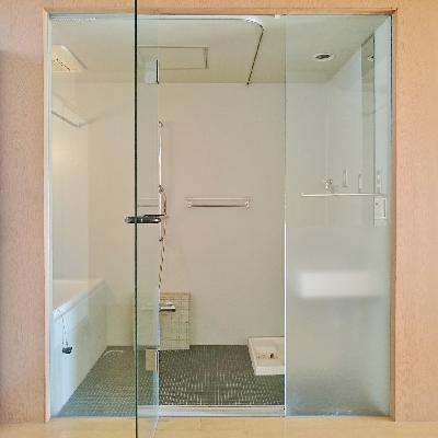 一面ガラス張りで見せるお風呂!