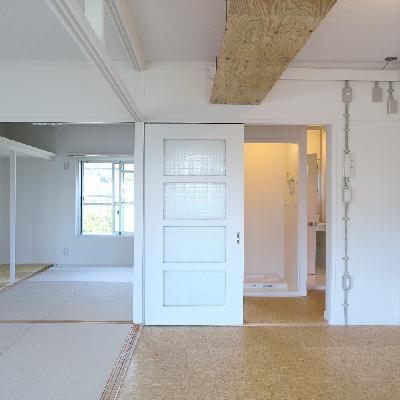 白×ナチュラルカラー ※写真は同じ間取りの別室