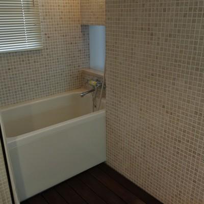 お風呂に扉はありませんが、ホテルみたいでお洒落。