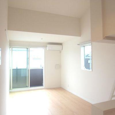 キッチンからの眺め※写真は反転タイプです