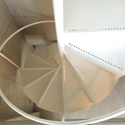 ぐるぐる螺旋階段