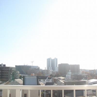 リビングからは横浜方面が望めます