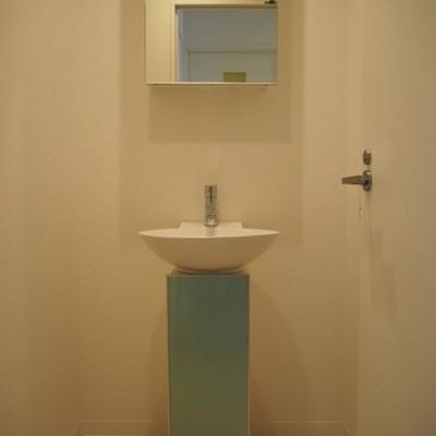 独立洗面台です※写真は別部屋です