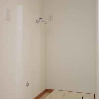 洗濯置場は室内。
