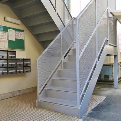 階段でテクテクお部屋へ。