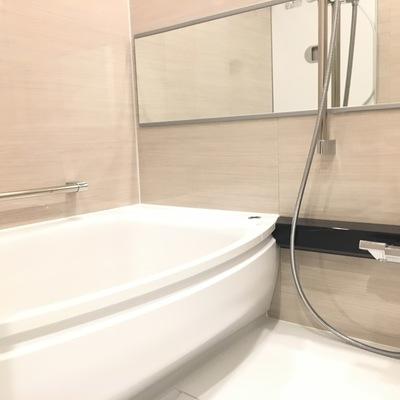 お風呂のデザインもクール!