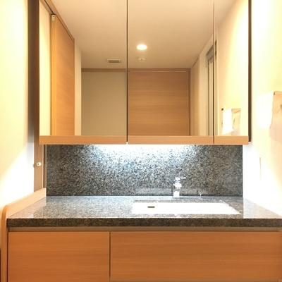 独立洗面台がホテルっぽくてかっこいい