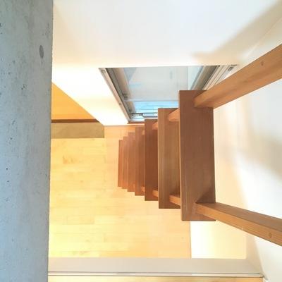 二階より、登り降りも楽しい!