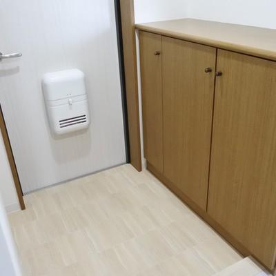 玄関のシューズボックスは容量たっぷり。