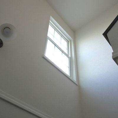 階段の窓がいい感じ