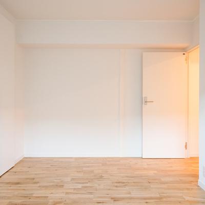 左の扉は・・