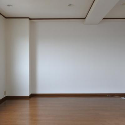 お部屋の内装は普通ですね
