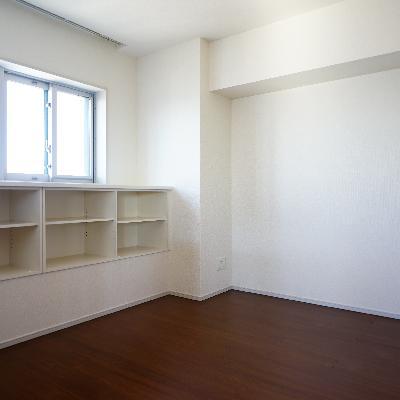 寝室は5.5帖の正方形!