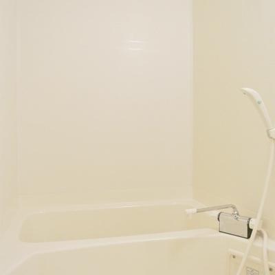 お風呂はわりとシンプルに※写真別部屋