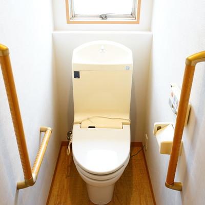 トイレはバリアフリーでウォシュレットつき!