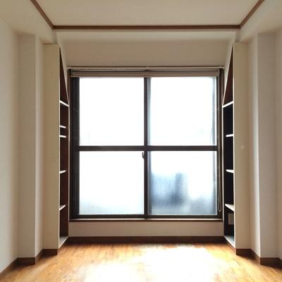 3階の7.5帖の洋室です