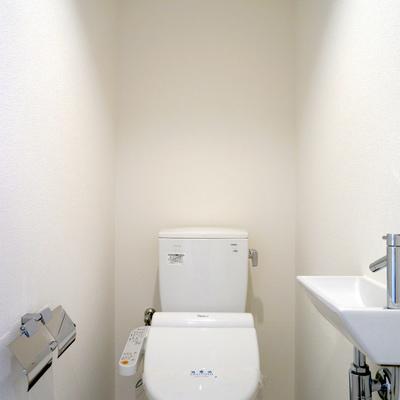 温水洗浄便座にプチ洗面台