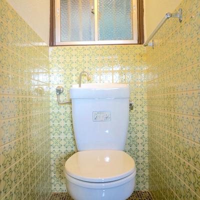 おばあちゃん家のお手洗いを思い出しますね