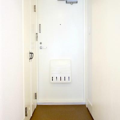 玄関を見るとリノベーションされたのが伝わってきますね