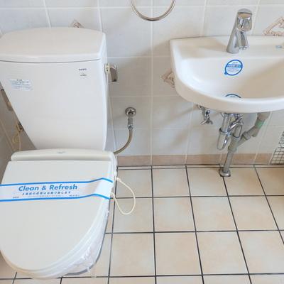トイレはお風呂と同室です。