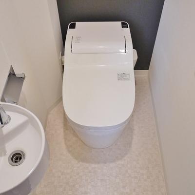 トイレにも手洗い。デザインも◎。