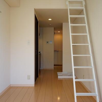 シンプルで使いやすいお部屋です。