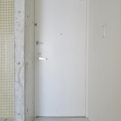 玄関だけど、どこまで!?