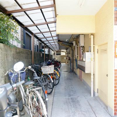自転車置き場は1階共有部なのかな