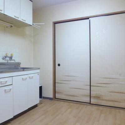 キッチンとお部屋が自然と分かれていいですね※写真は工事前です