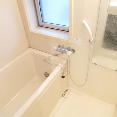お風呂の小窓が嬉しい!