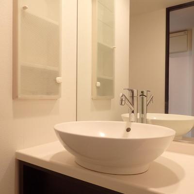 ボウル型の洗面台。
