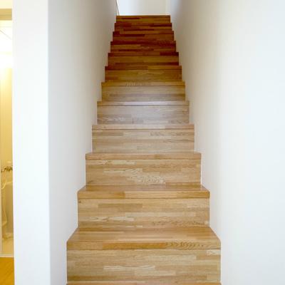 賃貸で階段上がるのはドキドキです。。