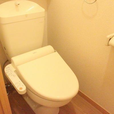 トイレは広め、ウォシュレットも