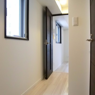 廊下のスペースがゆったり♪窓もあって明るく素敵な空間でした。