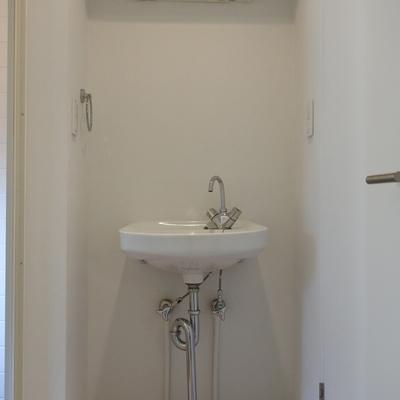 シンプルisベスト。鏡もない。
