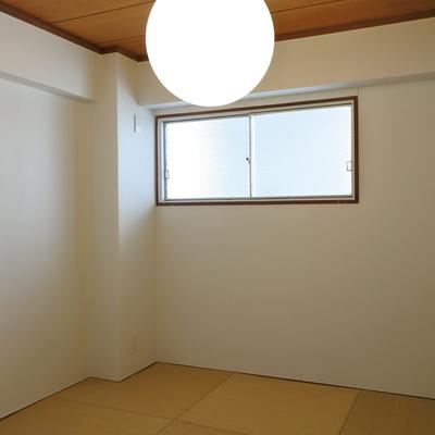 リビングとうってかわって、和室でほっこり。