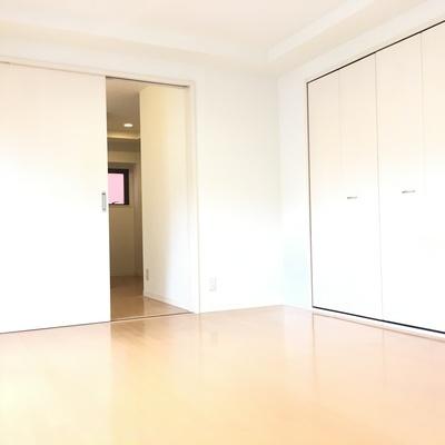 お部屋が真っ白です!