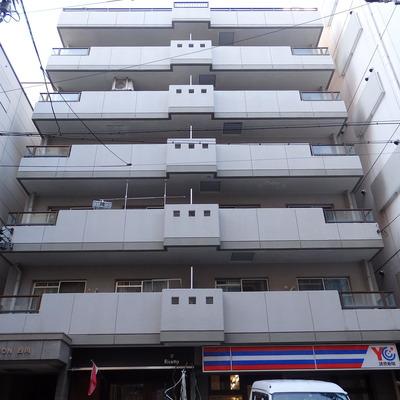 7階建て。