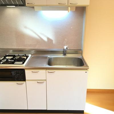 キッチンはシンプルだけど使いやすそう!