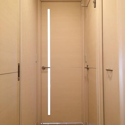 玄関から白くて清潔感
