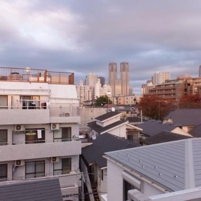 新宿のビル群が見えます!