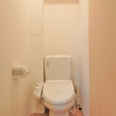 トイレは木の香りがいい感じ。