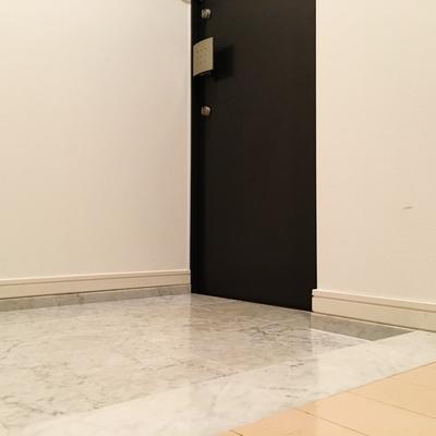 玄関もエレガントに。