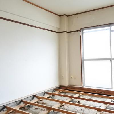 寝室もオークの床になりますよ!※工事中のお写真です